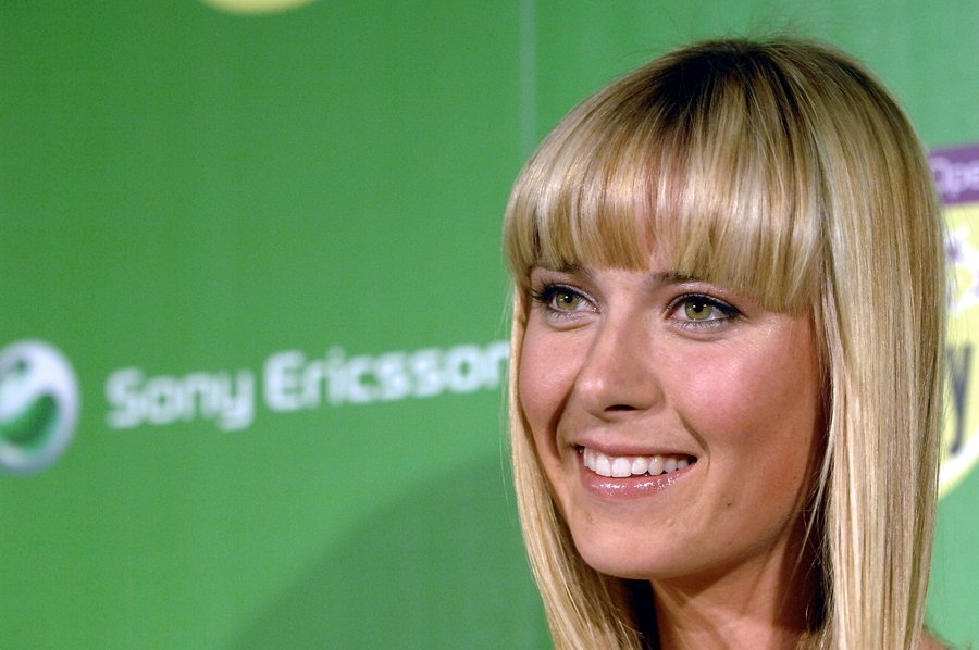 Maria Sharapova, But she did have bangs once
